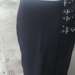 Buckel Pencil Skirt